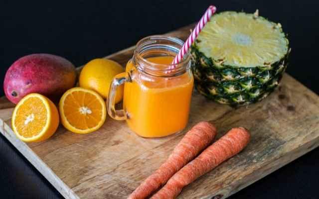 Batido de piña y zanahoria para perder peso y tratar enfermedades