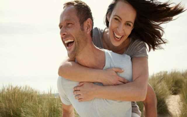 12 Cosas Que Hacen Las Parejas Felices, Y Si Puedes Nombrar Al Menos 3, Estás En El Camino Correcto